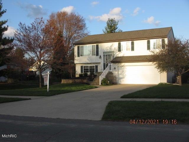 7588 Sunview Drive SE, Grand Rapids, MI 49548