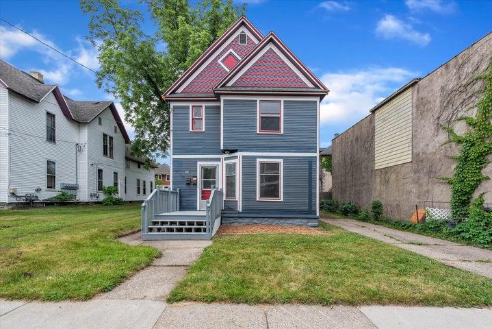1560 Wealthy Street SE, Grand Rapids, MI 49506