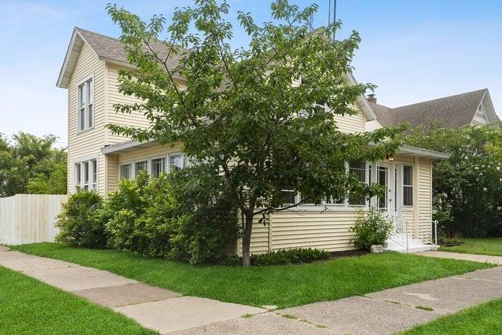 903 Michigan Avenue, St. Joseph, MI 49085