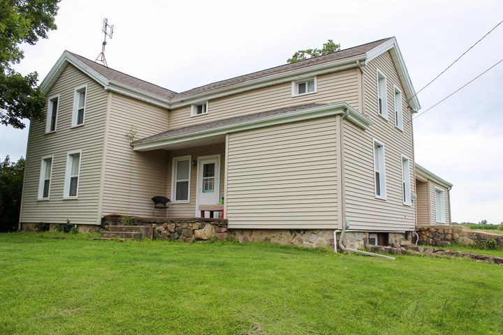 15964 Griswold Road, Manitou Beach, MI 49253
