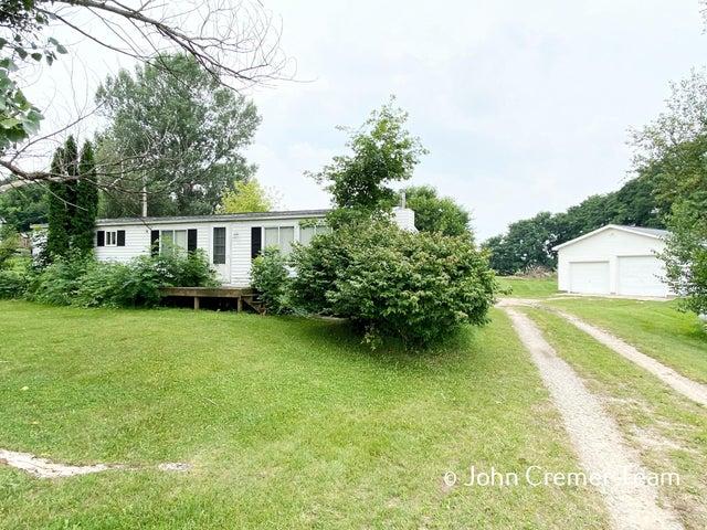 11156 Nash Highway, Clarksville, MI 48815