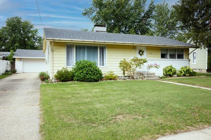 520 Lincoln Lake Avenue, Lowell, MI 49331