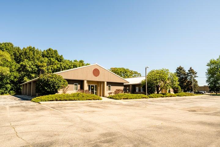 2525 Lake Pine Drive, St. Joseph, MI 49085