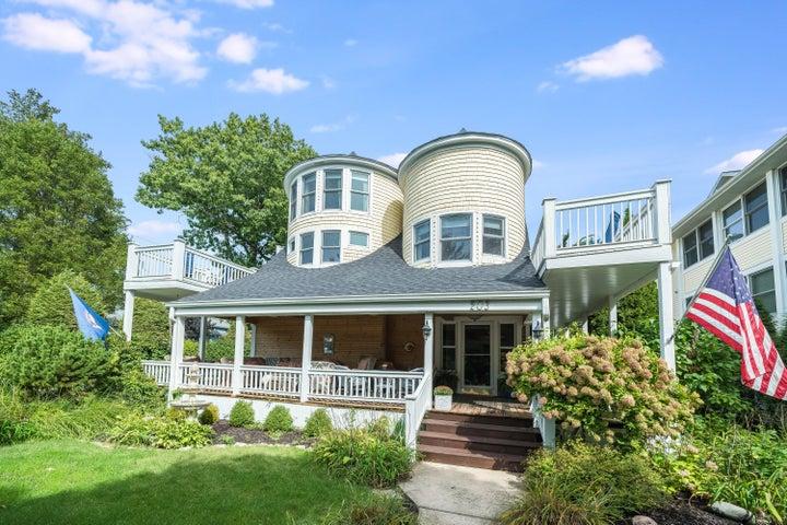 203 Dyckman Avenue, South Haven, MI 49090
