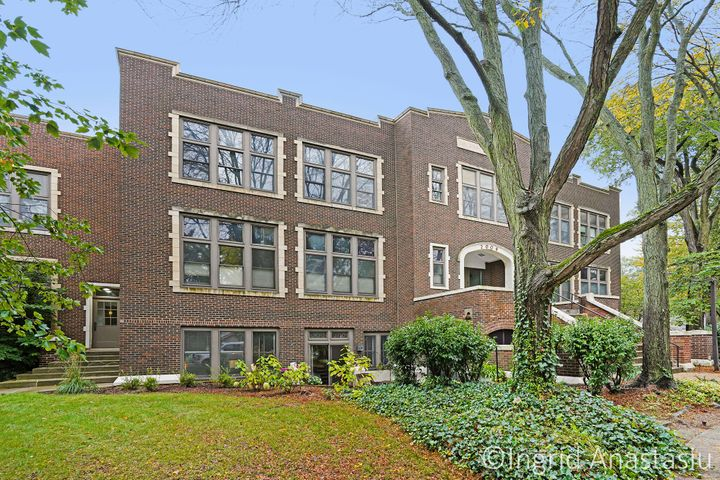 Walking distance to Blodgett, Schools, Gaslight and Reeds Lake