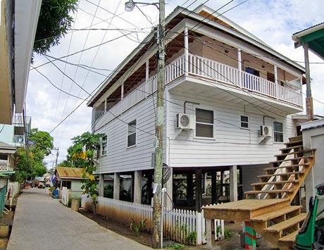 - Main Street, Casa Blanca, Town House, Utila,