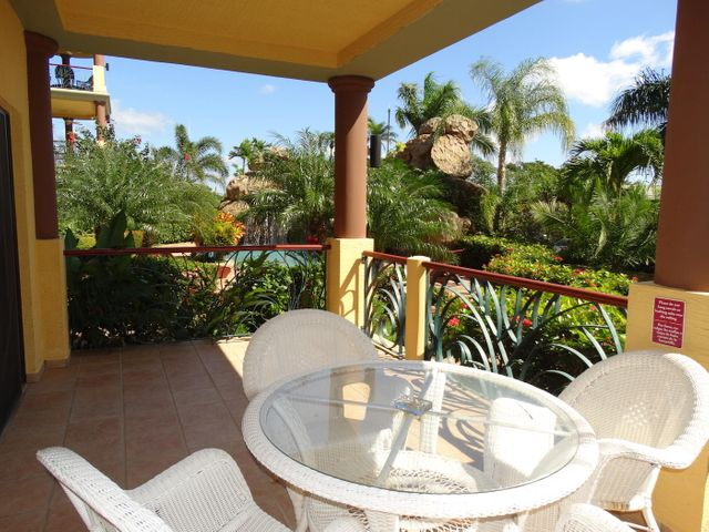 Pool front Villa 812, Pineapple Villas Luxury, Roatan,