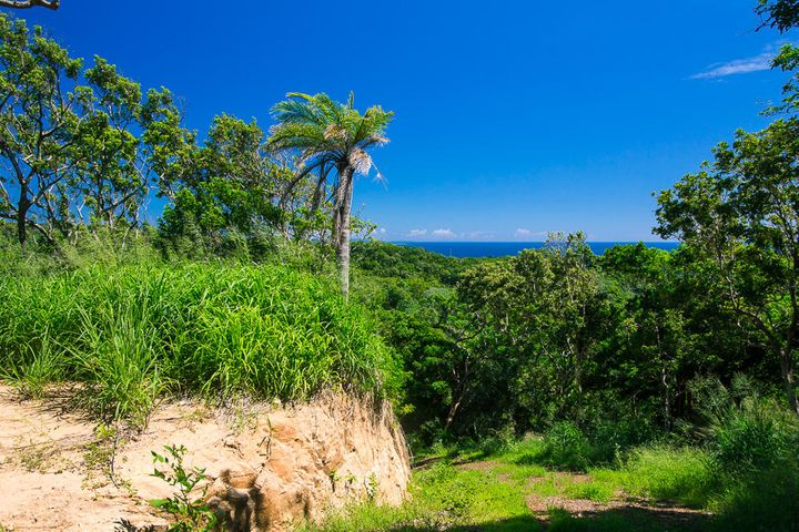 West Bay Road, Difficulty Hill Lot 2, Roatan,