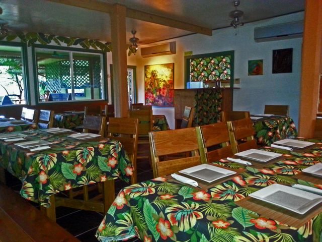 Utila's nicest a/c dining room with additional outdoor seating.