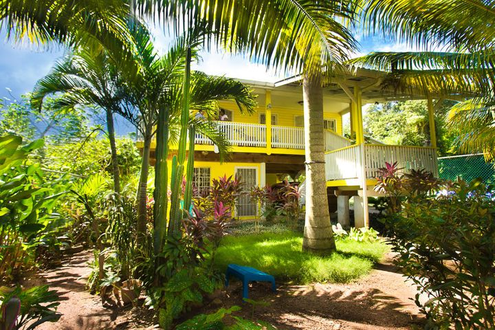 Tranquil Sandy Bay Home, Roatan,