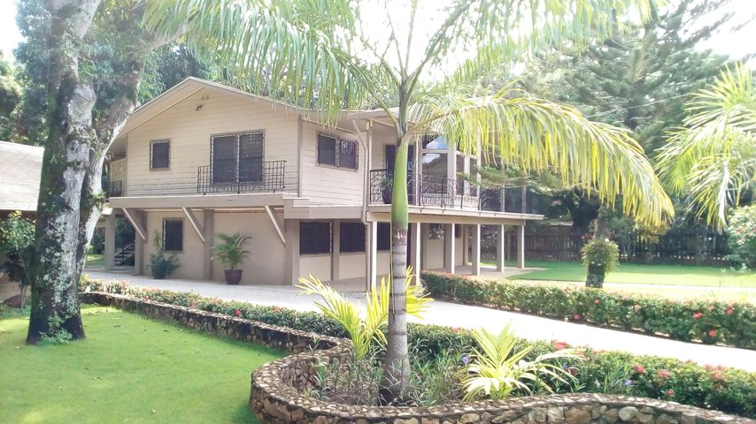 E Sandy Bay Beach Road, Sandy Bay Beach House, Roatan,