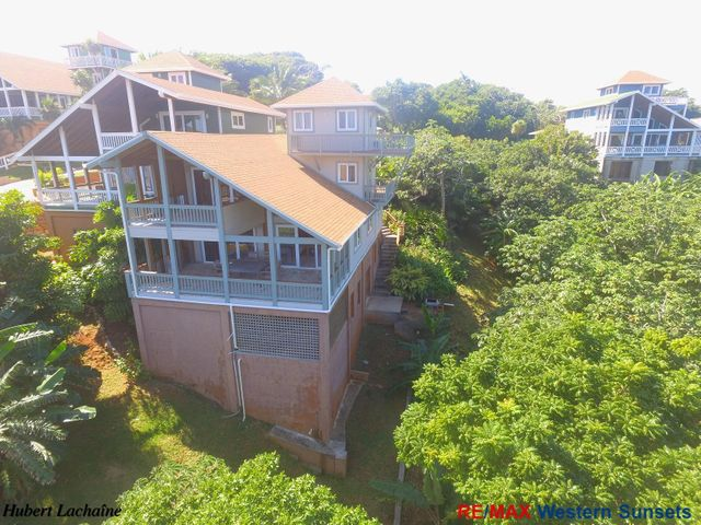 Light House Estates Road, Turrets T-16 West Bay, Roatan,