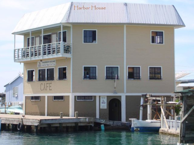 3-Storey building, Upper Cay, *PRICE DROP* Biz Opp, Utila,
