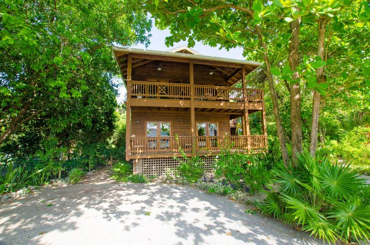 HOME in West End, One of the BEST VALUE, Roatan,
