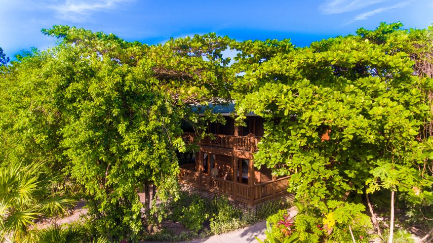 West End Rd (Lodge B), Casa Colibri Verde, Roatan,