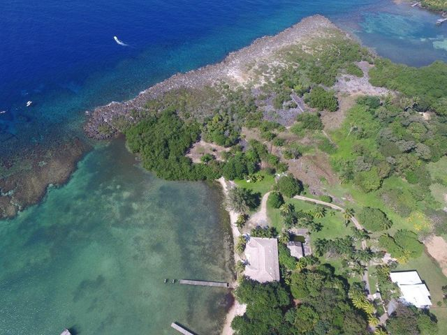 Gibson Bight Road, 5.8 acres in Mangrove Bight, R, Roatan,