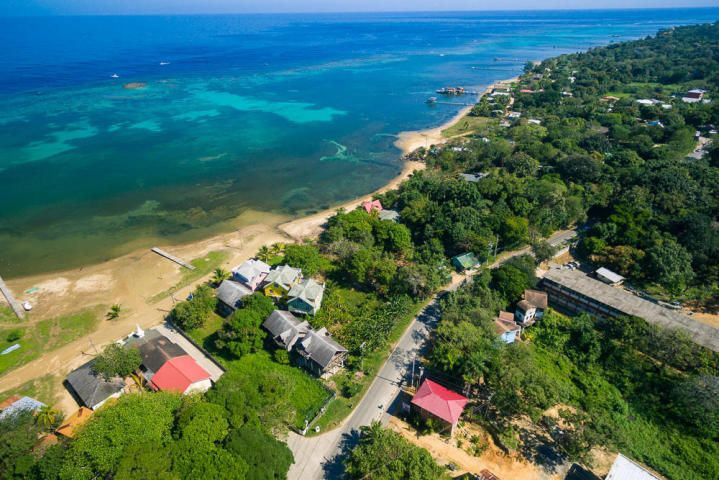 Main road, Sandy Bay, Whaletail Lot #6, 386 Sm, Roatan,