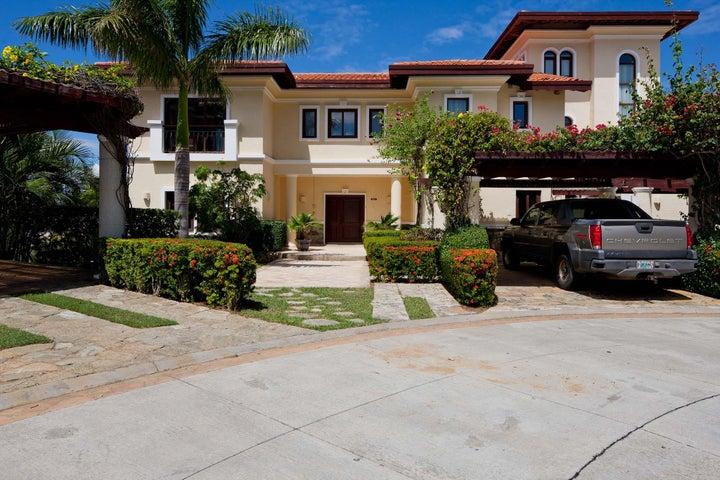 Entertaining 6 Bedrooms, Family Home Designed for, Roatan,