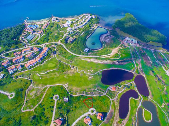 Aerial view of Pristine Bay Lot 4030