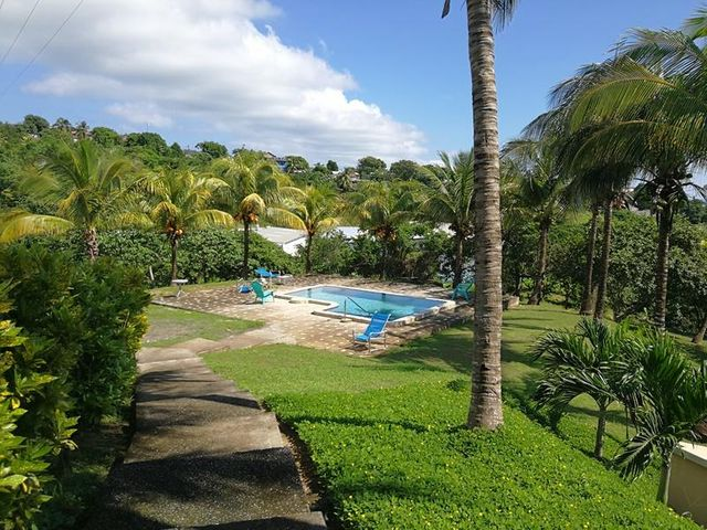 20171128232806437616000000-o Springfield, Sea Views, 2 Bed 2 Bath Condo 1F, Roatan, (MLS# 17-500)