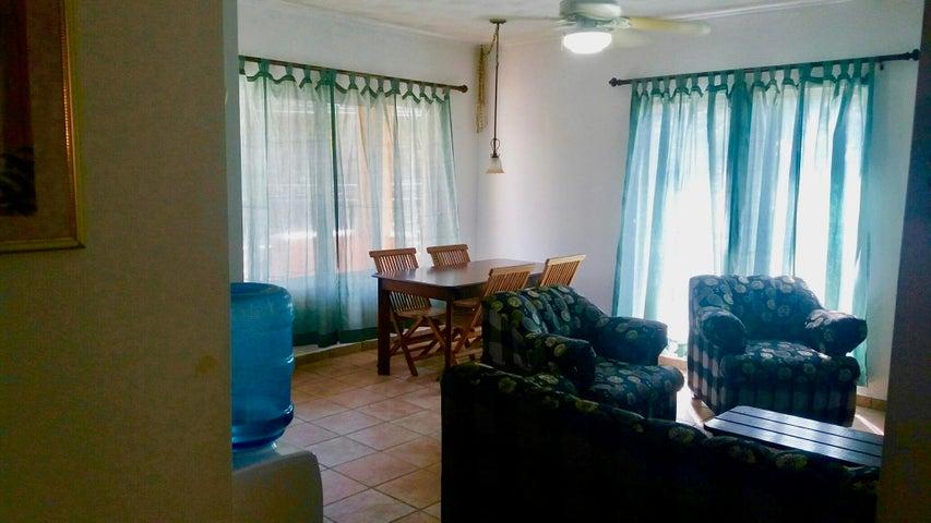 Upstairs, West Bay Beach, West Bay Mall Condo #1, Roatan,
