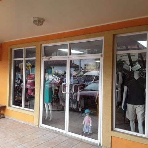 Boutique, West Bay Mall, Bikini Bottom Clothing, Roatan,