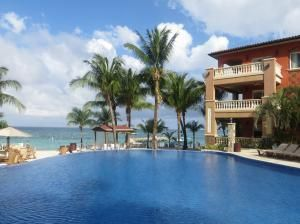 1 bedroom 2 baths, West Bay, Infinity Bay Condo #1303, Roatan,