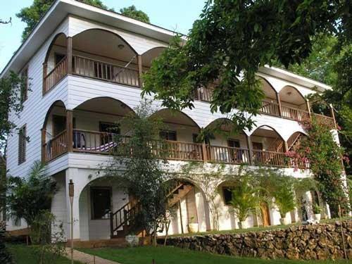 Colibri Hill Resort Hotel