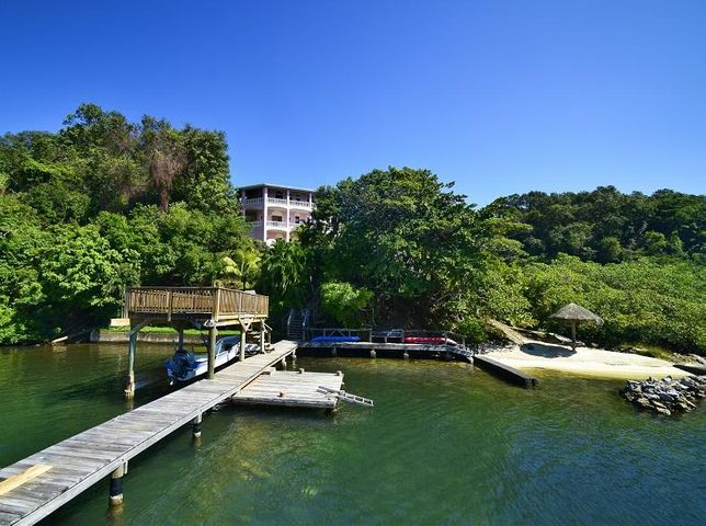 Caribe Point, Waterfront Home, Roatan,