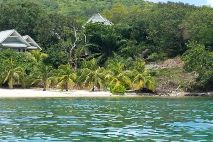 Guanaja, Beach-front Lot VA, Guanaja,