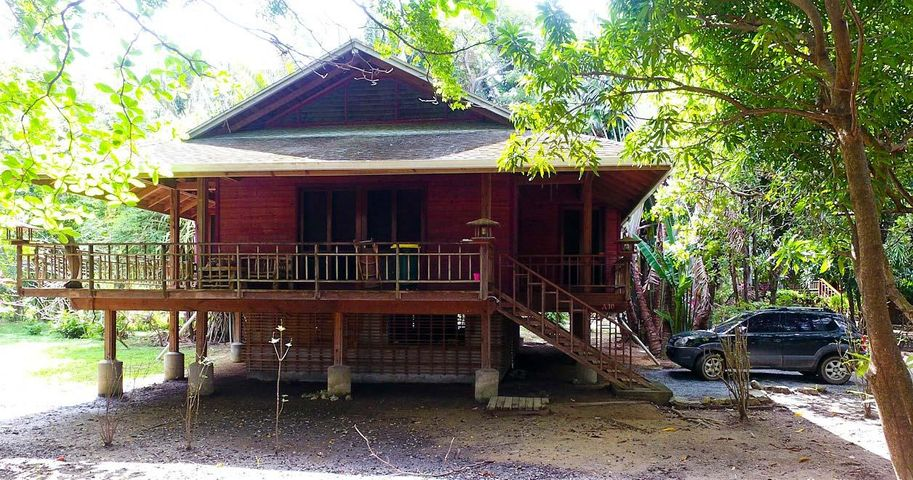 Comes with .2 acres of land., Palmetto Bay Plantation -, Roatan,
