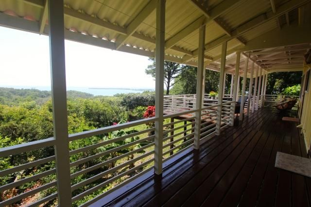 Four Acres + - Port Royal, Look-Out Hill, Roatan,