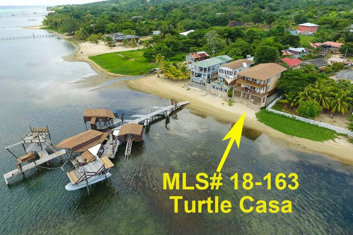 - Large Dock Great Investment, Sandy Bay Beachfront Home, Roatan,