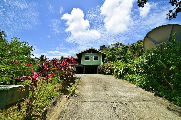 3.834 Acre Ocean View Home, Roatan,