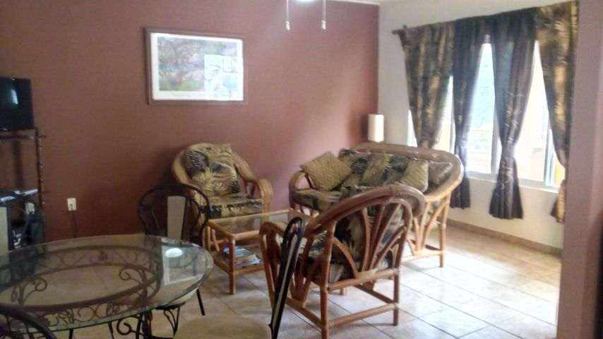 One Bedroom One Bath condo, West Bay Mall #4, Roatan,