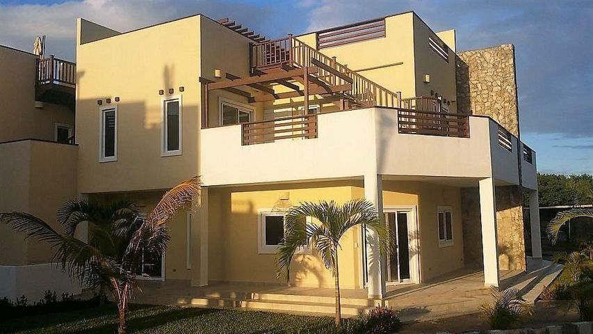 Mediterranean style villa with plentiful locations to relax and enjoy the breezes and views.