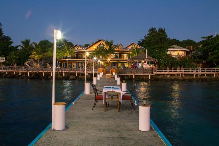 at Caribe Tesoro Resort, Executive Type Studio, Roatan,
