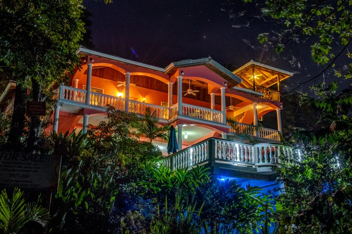 Seaside Inn, Roatan,