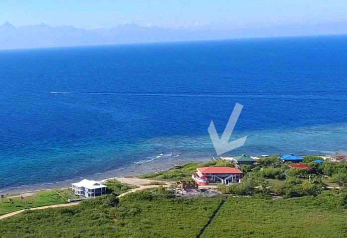 Rare Homesite 3-sides on ocean, 114 ft Oceanfront Super Locale, Utila,