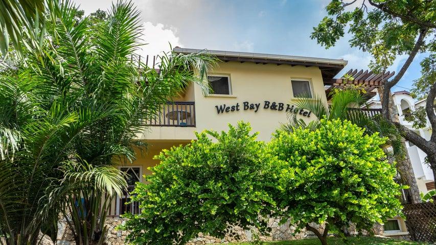 B&B steps to West Bay beach!