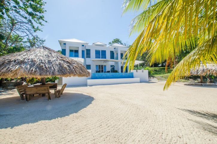 20181119205309270889000000-o Lawson Rock, Luxury Beachfront Home at, Roatan, (MLS# 18-657)