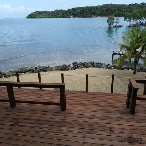 Beachfront Home +Rental, Punta Blanca, Roatan,