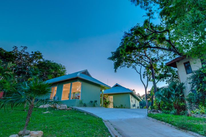 Lot 48, 3BD/2BA Home at Lawson Rock, Roatan,