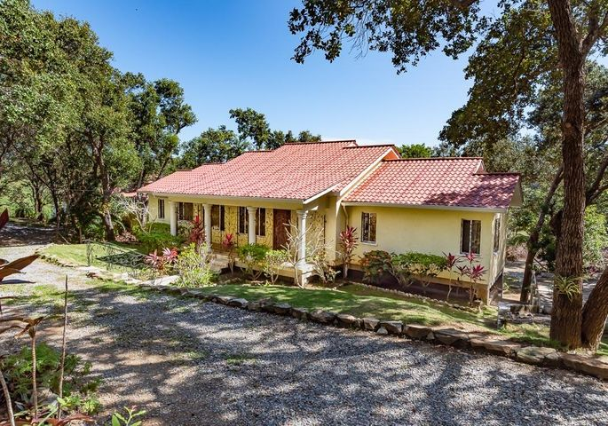 20190124214825635938000000-o Lizard Thicket extension, First Bight 36/37 home & dock, Roatan, (MLS# 19-34)