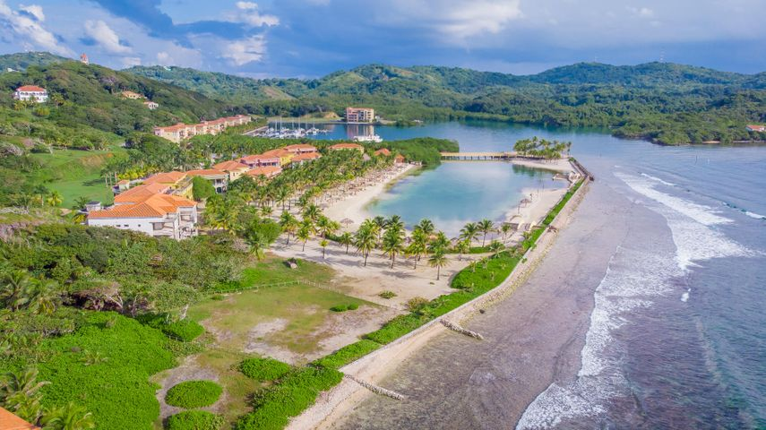 Beachfront Lot 21, Parrot Tree Plantation:, Roatan,