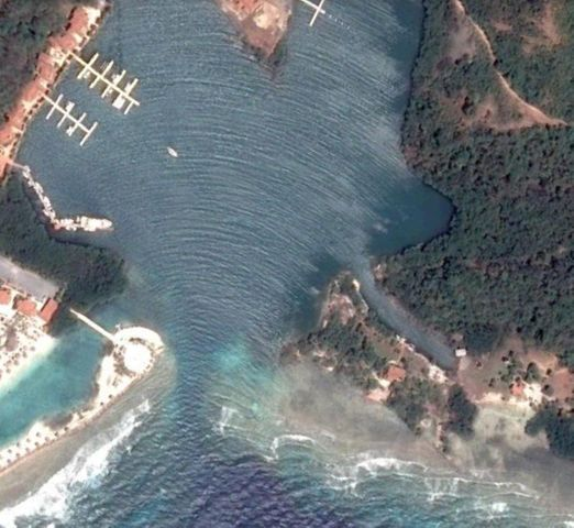 Marina Point, Parrot Tree, Lot 206 Waterfront, Roatan,