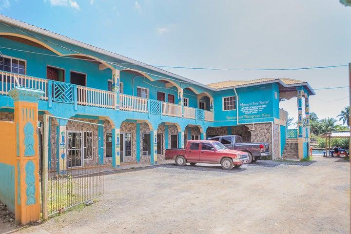 Pandy Town Road, Mangro Inn Hotel, Roatan,