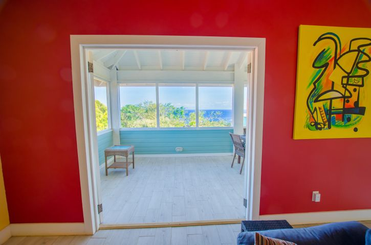 both side of the peninsula, West Bay home with views on, Roatan,