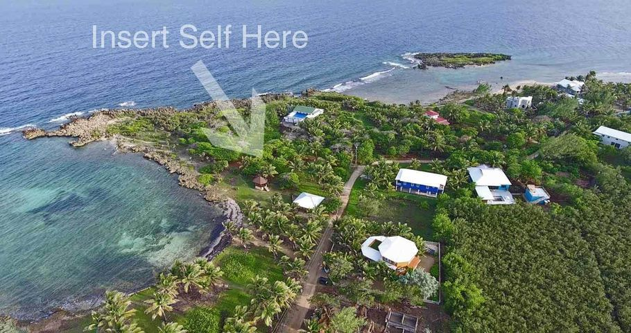 - Paradise Cove - East Shore, 0.36 Acre, Ocean View Resident, Utila,