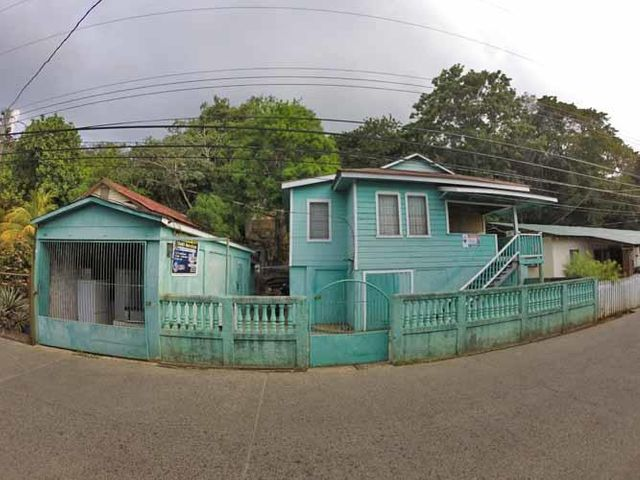 Prime location Fixer Upper, Main Road Home/Commercial Opp, Utila,